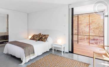 Contemporary Bedroom Blinds
